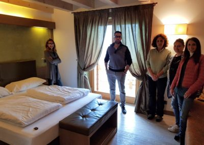 Hotel & Hospitality English